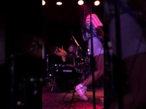 Hinds - New For You Live @ Soho Music Club Santa Barbara, CA 9/22/2018