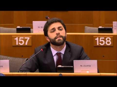 Marco Zanni M5S riceve una lezione di economia da Mario Draghi