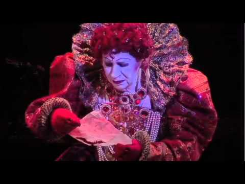 "LINDSAY KEMP in ""Elizabeth's Last Dance"" [Theatrical Trailer]."