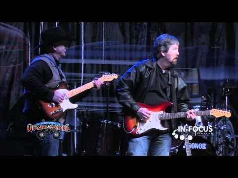 Mark Powell, Jamie Richards, & Gary P. Nunn perform Working Man Blues