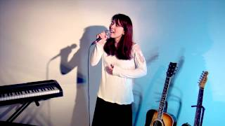 歌うカウンセラー、枚本真実(ヒラモトマミ)です。 大好きな音楽で癒しや...