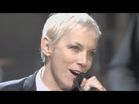 Клип Eurythmics - Sweet Dreams (Are Made Of This) (Live)