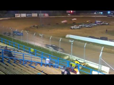 Crate late models Feature race at Florence speedway 10/7/17