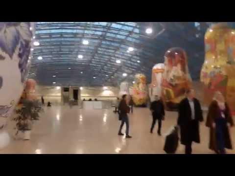 . Москва. Афимолл Сити. Экспозиция гигантских матрешекиз YouTube · С высокой четкостью · Длительность: 2 мин27 с  · Просмотры: более 1.000 · отправлено: 13-10-2013 · кем отправлено: Vandammov