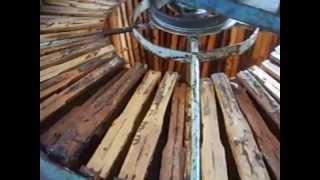 Медогонка на 50 рамок от 12v. Honey Extractor(Спонсор видео ЭКСТРАКТ ЛИЧИНОК ВОСКОВОЙ МОЛИ. Купить можно здесь http://ognevka.com.ua/ Радиальная медогонка на..., 2015-10-14T18:45:23.000Z)