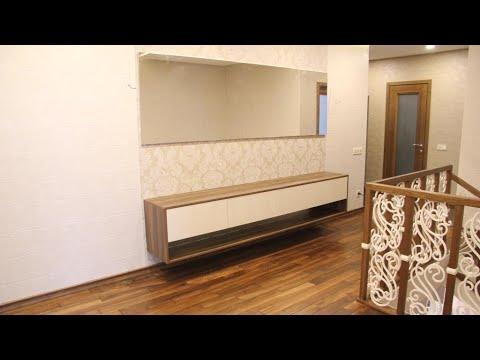 Подвесная мебель видео №2. Подвесная тумба без ручек на заказ, зеркало в раме Киев