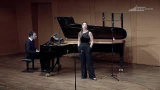 """J. Strauss, Die Fledermaus: """"Ich lade gern' mir Gäste ein"""" (Orlofsky) - Céline Akçağ, mezzo-soprano"""