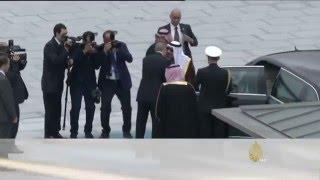 أردوغان يستقبل الملك سلمان ويمنحه وسام الجمهورية