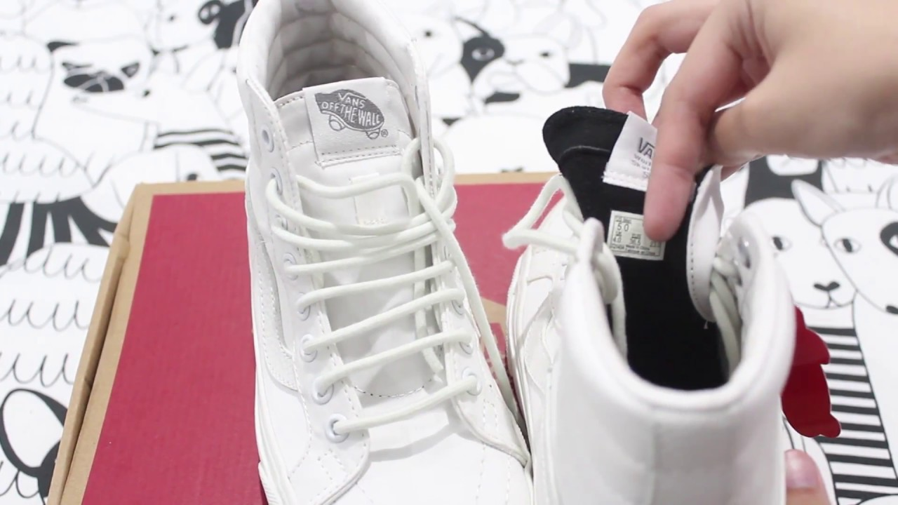 vans blanche off the wall