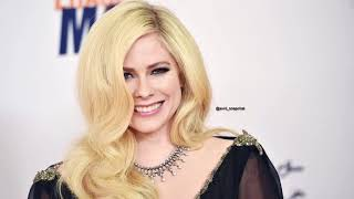 Baixar Avrill Lavigne about promo tour, dying, her family and much more (Kathy and Frank for WGN )