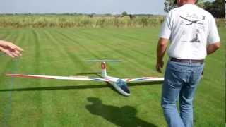 RC Piper Cub schleppt RC Pilatus B4