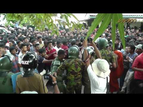 Police attack anti SAITM student protest in Colombo