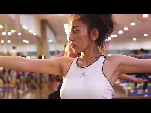 Hot yoga - Khóa học hot yoga tại Vyoga World