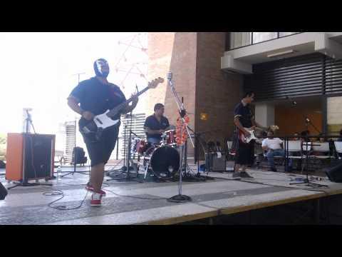 Radio 69 - Another Summer Song (En Vivo Aguascalientes 11/09/2011)