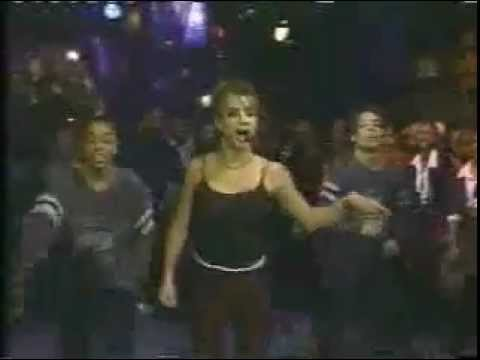 Britney Spears VERY FIRST Baby One More Time Top Of The Pops Performance!