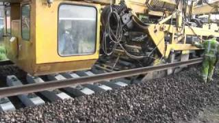 machine pose de rail sncf