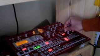 "Sanytch -  d.19 ""VibeTech"" / Short minimal techno live on korg esx-1, p.2"