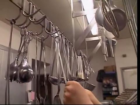 Graduating Peter (2001)