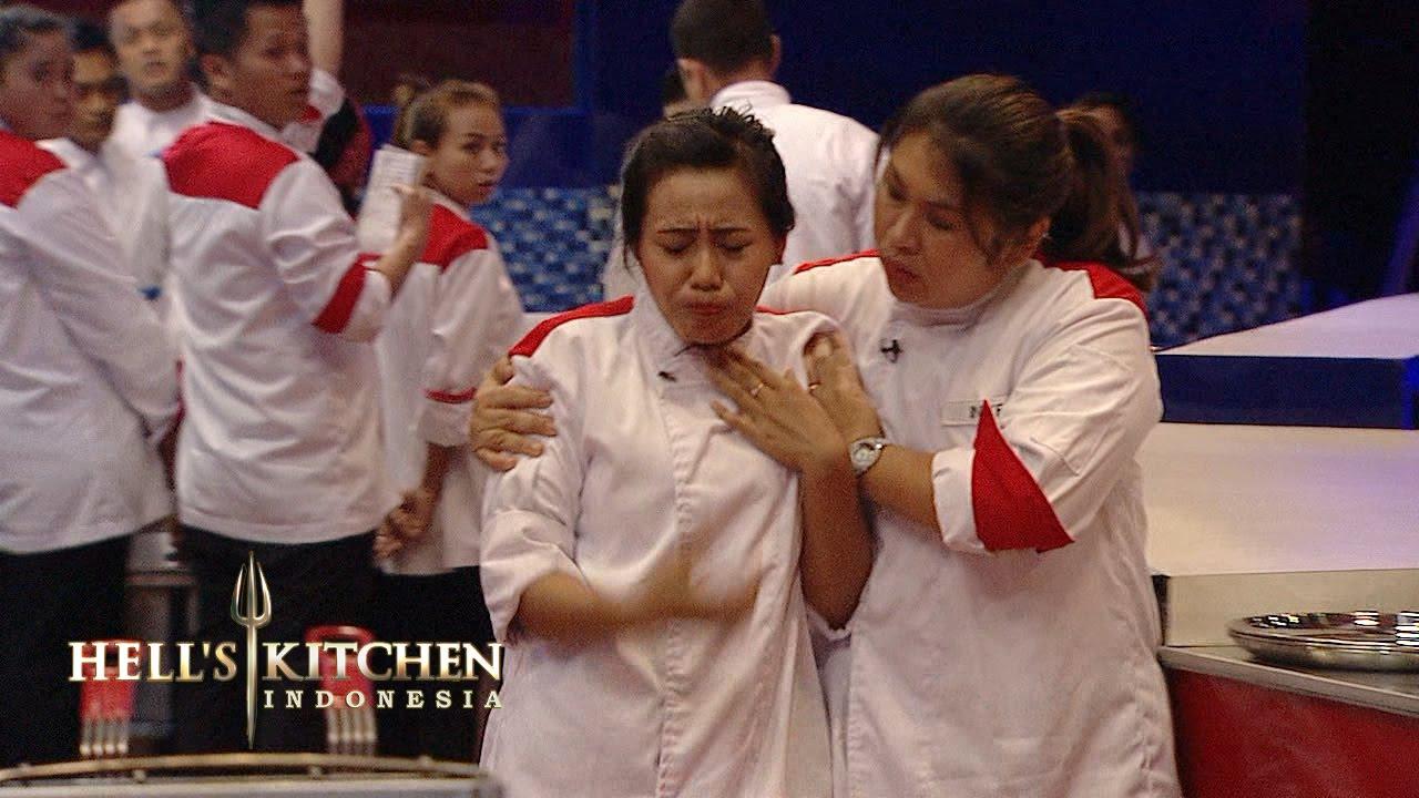 Chef Juna Hell S Kitchen