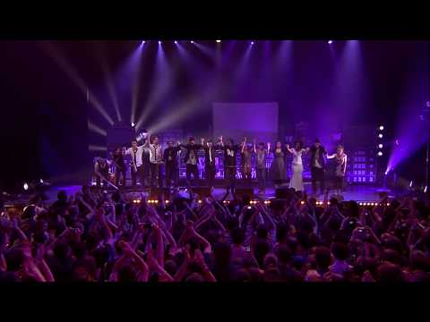 28 - WAX TAILOR feat Dionne Charles & Mattic - Leave It (Live Paris, Olympia 2010)