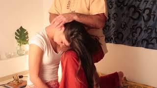 Тайский массаж шеи. 3 основные упражения.