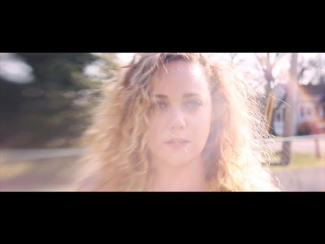 Madeleine Besson - Rise (Official Music Video)