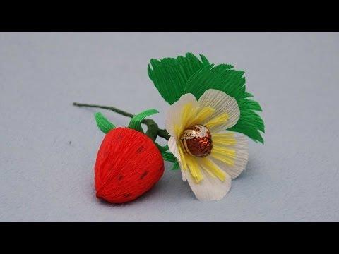 Cмотреть видео Клубника из конфет. Букет из конфет. DIY strawberry of sweets