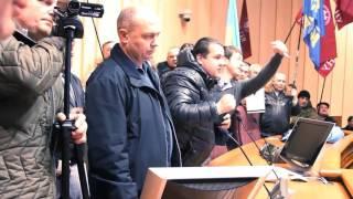 Кривой Рог, бандит Полик на встрече с Криворожским евромайданом(, 2015-12-05T19:51:07.000Z)