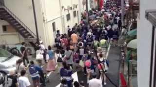 2012年8月12日は3年に一度の深川八幡祭り。 前日に町内を行脚する子ども...