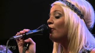 Lauren Alaina - The Locket (Bing Lounge)