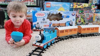 Lionel Thomas & Friends Ready-To-Play Train Set (Unboxing, Build, Play)