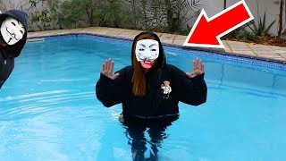 HACKER GIRL in SWIMMING POOL! (PZ4/PROJECT ZORGO) FACE REVEAL UNMASKING (Chad Wild Clay & Vy Qwaint)