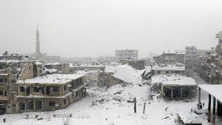 أخبار عربية: قصف روسي على مناطق في ادلب يوقع قتلى وجرحى