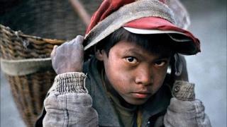 أخبار عربية وعالمية - عمالة الأطفال صراع بريء في عالم عنيف