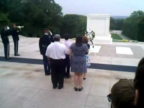 Everts Changing of The Wreath
