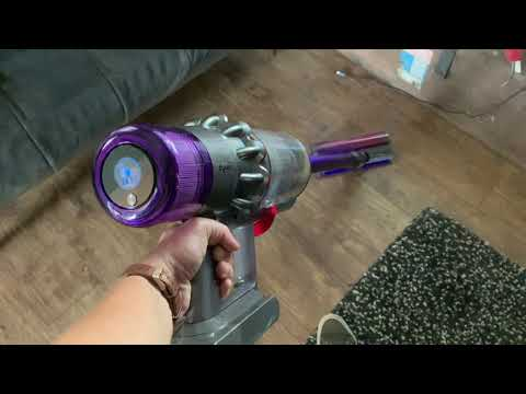 Dyson V11 Absolute Pro Cordless Stick Vacuum Blogger Review