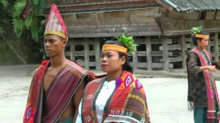 INDONESIA: Traditional Batak dance, Lake Toba, Sumatra (HD-video).mp4