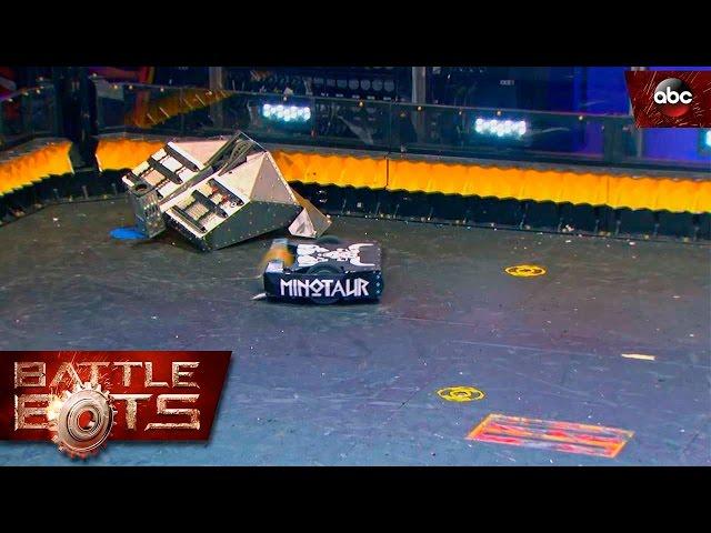 Blacksmith vs. Minotaur – BattleBots