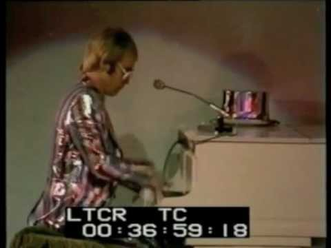 Elton John - I Think I'm Going to Kill Myself (1972)