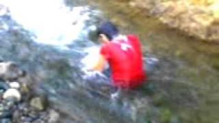 Prank Gadis Anak Berpetualang Yang Suka Mandi Di Sungai