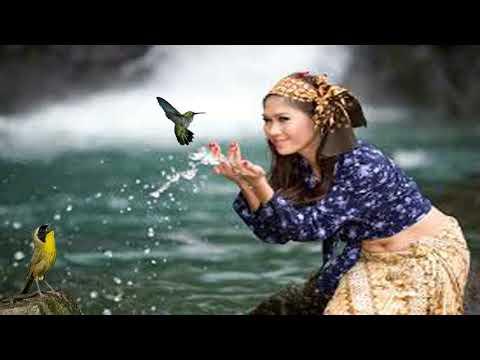 Relaksasi Dengan Gemercik Air Mengalir Dan Kicauan Burung Di Alam Bebas Membuat Pikiran Fresh.