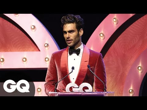 Jon Kortajarena's Sexy Look Sends Crowd Swooning At GQ Awards