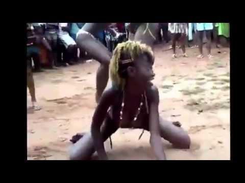 African Girls FightKaynak: YouTube · Süre: 1 dakika34 saniye