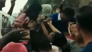 Anjaaiii Cewek Goyang Dayung Itunya di Remas susunya Sama Penonton