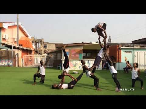 THE BEST AFRICAN ACROBAT DANCE PART 2