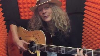 Video A moment with Denise Kaufman and the ToneWoodAmp download MP3, 3GP, MP4, WEBM, AVI, FLV November 2018
