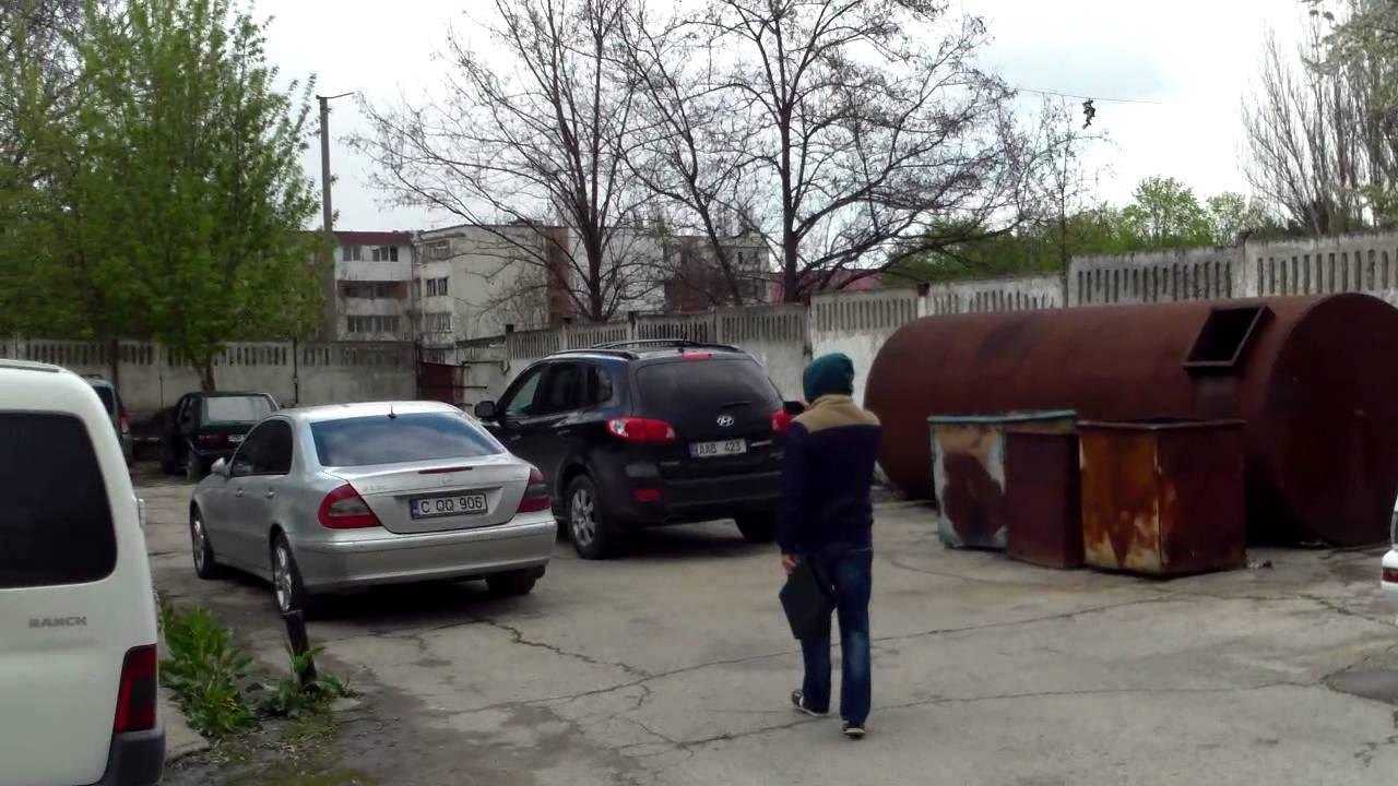 Poliția de la Botanica ascunde cu strășnicie mașinile