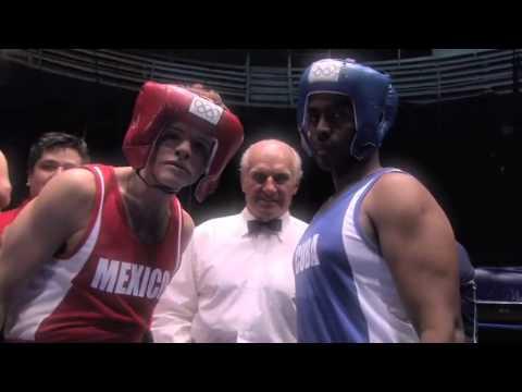 Derbez en Londres  presentando al boxeador 'El Canelas