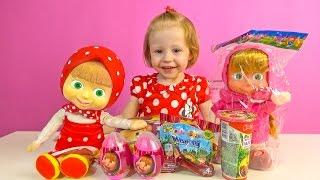 Маша и Медведь сюрпризы и кукла игрушка Маша повторюшка танцует и поет распаковка