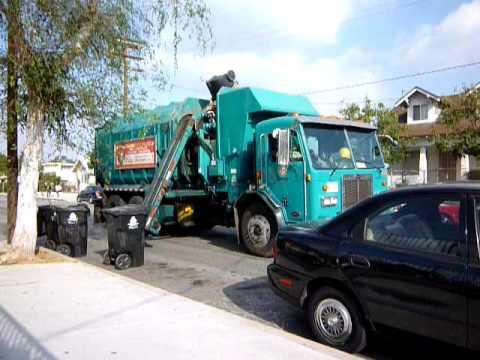 ゴミ収集車 ロータリー式